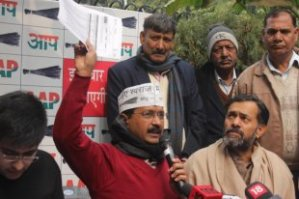 Can  Kejriwal  sail  through  the  crisis  now ?