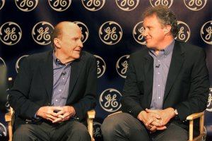 Jack  Welch  and  Jeffrey R. Immelt  sharing  thoughts.